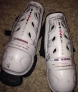 Наколенники (щитки) для хоккея Easton ventair syne