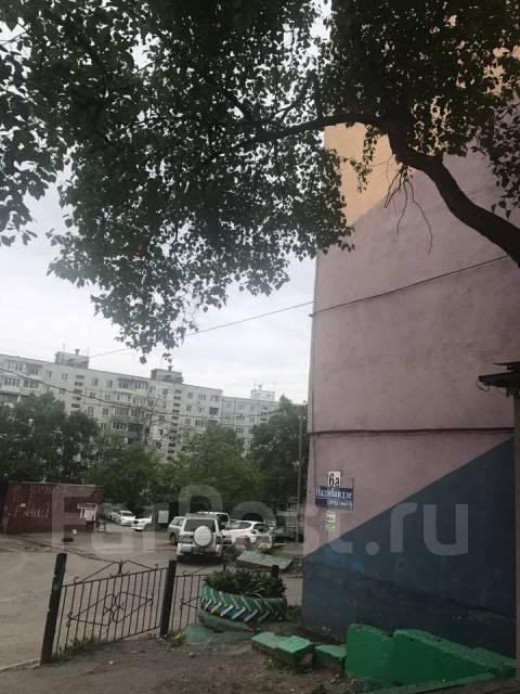 Гостинка, улица Надибаидзе 6а. Чуркин, 24кв.м.