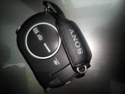 Sony DCR-DVD810E. Менее 4-х Мп, с объективом