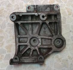 Крепление компрессора кондиционера. Mitsubishi: Airtrek, Chariot Grandis, Legnum, Delica, Galant, Pajero, RVR, Chariot Двигатель 4G64