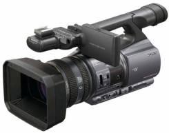 Sony DCR-VX2200E. с объективом