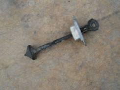 Ограничитель двери. Mazda Demio, DY3W, DY5R, DY5W, DY3R