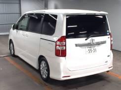 Toyota Noah. автомат, передний, бензин, б/п, нет птс. Под заказ