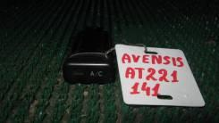 Кнопка Toyota Avensis