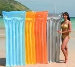 Матрасы пляжные.