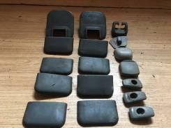 Крышка петли сиденья. Nissan Elgrand, AVE50, ATWE50, ALWE50, AVWE50, APE50, ALE50, ATE50, APWE50 Nissan Homy Elgrand, AVE50, AVWE50, ALE50, ALWE50 Nis...