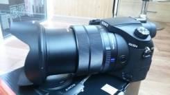 Sony Cyber-shot DSC-RX10 III. 20 и более Мп, зум: 14х и более