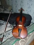 Скрипки.