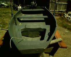 Продам пластиковую лодку с 4 тактным мотором воздушного охлаждения. Год: 2016 год, длина 4,00м., двигатель подвесной, 13,00л.с., бензин