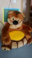 Медведь кресло