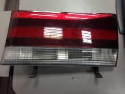 Стоп сигнал в двери багажника левый Toyota HiAce 26-78. Toyota Regius, RCH47W, RCH47, KCH40W, KCH46W, KCH46, KCH40, RCH41, RCH41W Toyota Hiace Двигате...