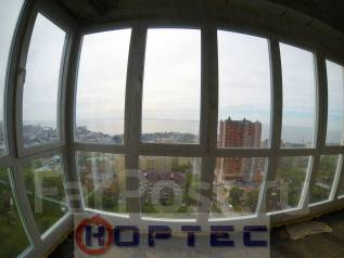2-комнатная, улица Прапорщика Комарова 58. Центр, проверенное агентство, 74 кв.м. Вид из окна днём