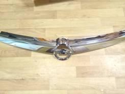 Молдинг решетки радиатора. Opel Astra