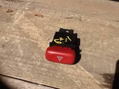 Кнопка включения аварийной сигнализации. Suzuki Escudo, TL52W, TA52W, TD52W