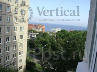 3-комнатная, улица Хабаровская 30. Первая речка, проверенное агентство, 60 кв.м. Вид из окна днём