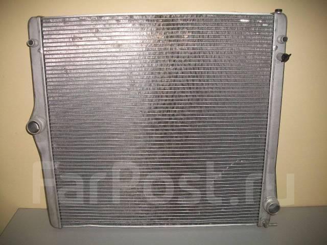 Радиатор охлаждения двигателя. BMW X5, E70 Двигатели: N52B30, N62B48