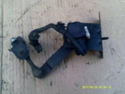Фара. Subaru Forester, SG5 Двигатели: EJ203, EJ205