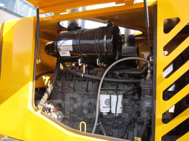 HZM 933. Фронтальный погрузчик (Frontal 240), 6 000 куб. см., 3 000 кг.