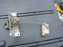 Амортизатор на заднее стекло. Nissan Terrano, TR50