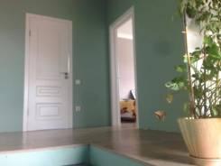 В продаже дом в районе Немецкой деревни. Улица Ромашковая 8, р-н ЭНКА, площадь дома 155 кв.м., централизованный водопровод, отопление газ, от агентст...