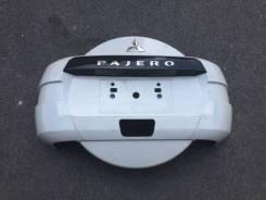 Колпак запасного колеса. Mitsubishi Pajero, V93W