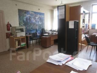 Продам офис 40 кв. м, на Чебрикова , 2/2-этаж. Чебрикова, р-н Центральный, 40 кв.м.