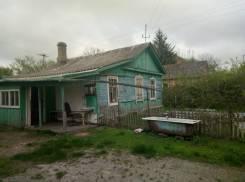 Продам дом с участком. Улица Комарова 32, р-н Угловое, площадь дома 44 кв.м., централизованный водопровод, электричество 30 кВт, отопление твердотопл...