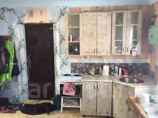 Продам половину дома в Буденовке. Улица Ватутина 1, р-н Буденовка, площадь дома 47 кв.м., скважина, электричество 5 кВт, отопление твердотопливное, о...