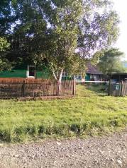 Продам дом в Чугуевском районе. р-н с.Уборка, площадь дома 38 кв.м., скважина, отопление твердотопливное, от частного лица (собственник). Дом снаружи