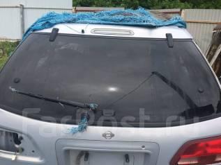 Стекло заднее. Nissan Avenir