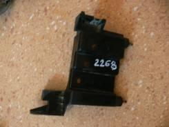 Крепление фары. Nissan Presage, U30