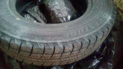 Bridgestone Blizzak Revo. Всесезонные, износ: 5%, 4 шт