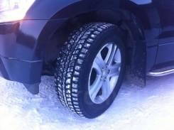 Dunlop SP Winter ICE 01. Зимние, шипованные, 2014 год, износ: 5%, 4 шт
