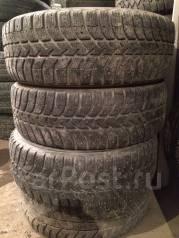 Bridgestone Ice Cruiser 5000. Зимние, шипованные, износ: 40%, 2 шт