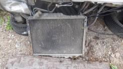 Радиатор охлаждения двигателя. Nissan Diesel