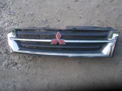 Решетка радиатора. Mitsubishi Pajero, V63W, V73W, V60, V65W, V75W, V78W, V77W, V68W Mitsubishi Montero, V60 Двигатель 6G74
