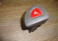 Кнопка включения аварийной сигнализации. Nissan Patrol, Y61 Двигатели: 2P, RD28TI, ZD30, TB48DE, 5P