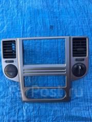 Консоль панели приборов. Nissan X-Trail, NT30, PNT30, T30 Двигатели: QR20DE, QR25DE, SR20VET, YD22DDTI