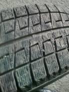 Bridgestone Blizzak Revo2. Зимние, без шипов, износ: 30%, 2 шт