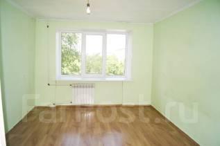2-комнатная, улица Хмельницкого 5. Центр, водоканал, агентство, 52 кв.м. Комната