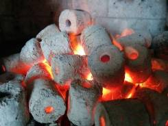 Уголь древесный.