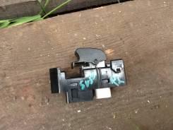 Кнопка стеклоподъемника. Toyota Vista, SV55, AZV55, SV50, AZV50