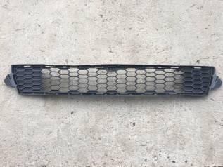 Решетка бамперная. Toyota Prius, ZVW30