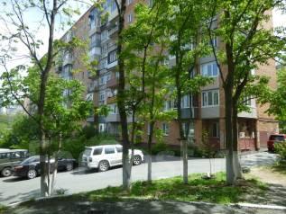 Продается 2х комн квартира под офис с отдельным входом по проекту!. Улица Станюковича 12, р-н Эгершельд, 43 кв.м. Дом снаружи