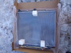 Радиатор охлаждения двигателя. Isuzu Bighorn, UBS69DW Двигатель 4JG2