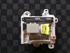 Блок реле. Toyota Alphard, MNH15W, MNH15