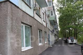 Продается помещение с отдельным входом. Улица Котельникова 12, р-н Баляева, 56 кв.м. Дом снаружи