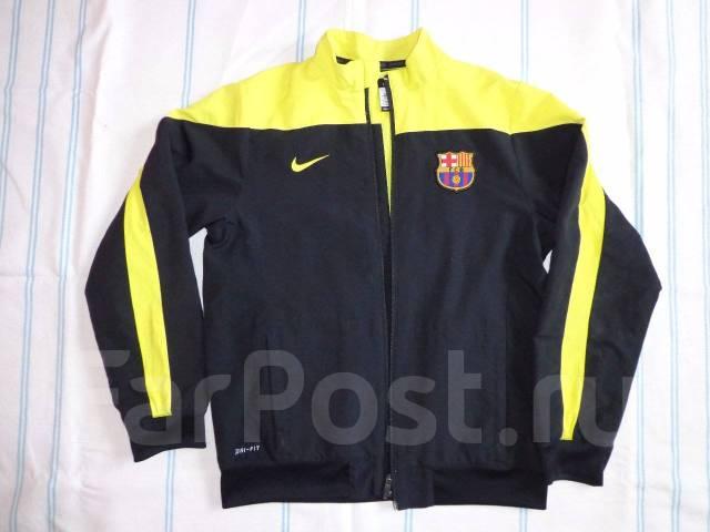 b070f3bb06a2 Продам спортивный костюм Nike для мальчика рост 137-147 см - Детская ...