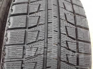 Bridgestone Blizzak Revo2. Всесезонные, 2012 год, износ: 10%, 4 шт