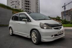 Honda Fit. вариатор, передний, 1.3 (86 л.с.), бензин, 220 тыс. км
